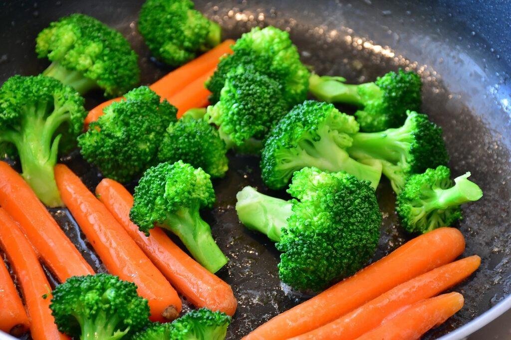 lækre sunde grøntsager som snack